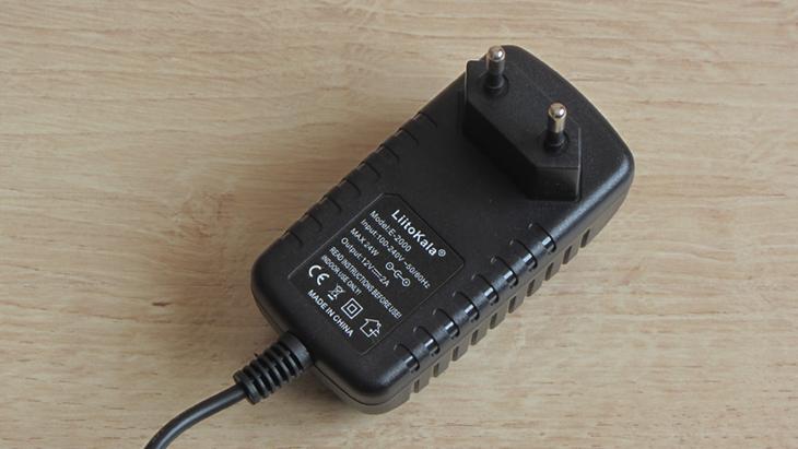 Универсальное зарядное устройство LiitoKala Lii-500