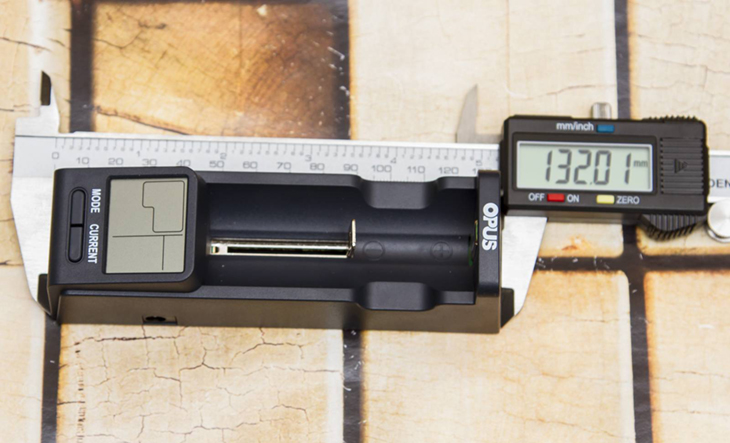 Универсальное зарядное устройство Opus Opus BT-C100