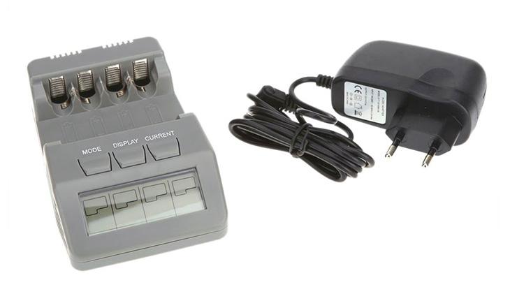 Универсальное зарядное устройство Opus BT-C700